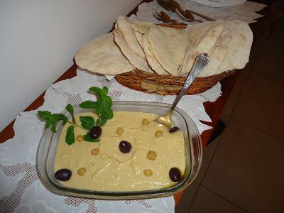 aprenda como fazer a receita de humus de grão de bico - receita com grão de bico - receita de humus - receita de humus fácil - receita de humus rápida - receita - receita fácil - receita do edu guedes - receita da ana maria braga - receita do mais voce -  receita do tudo gostoso - receita tudo gostoso - tudo gostoso