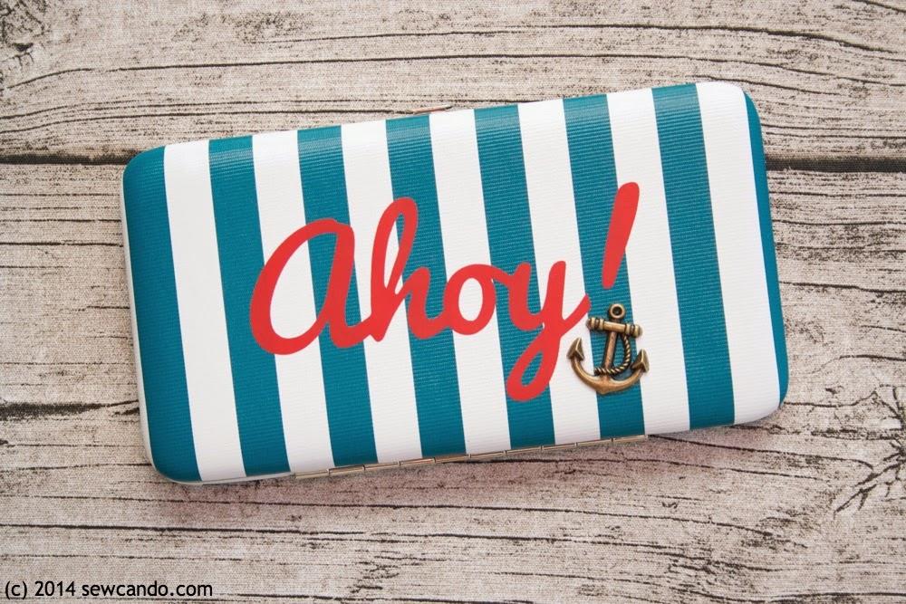 http://www.sewcando.com/2014/03/make-cute-nautical-clutch-in-just-5.html