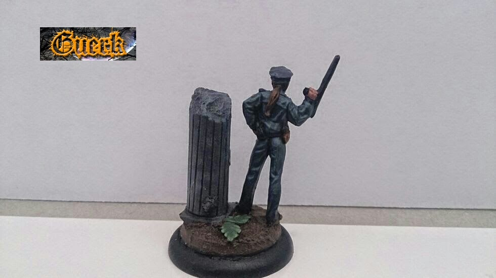 Galeria de Guerk Police+woman-mujer+policia-knight+model-35mm-+batman+miniature+game-+batman+(6)