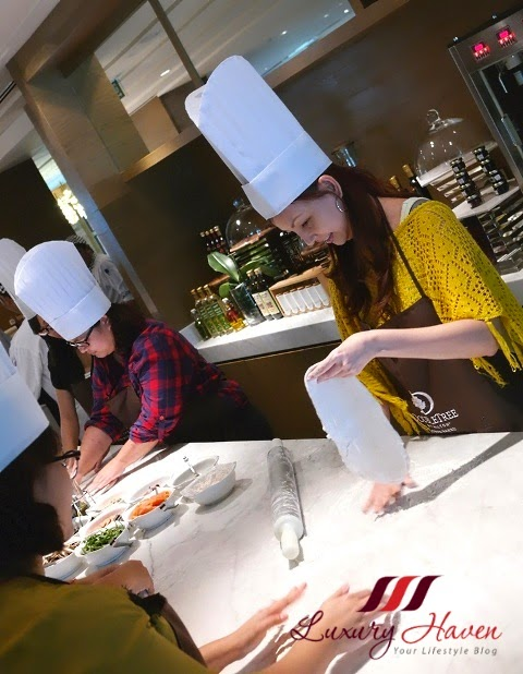 luxury haven doubletree hilton jb tosca pizza making