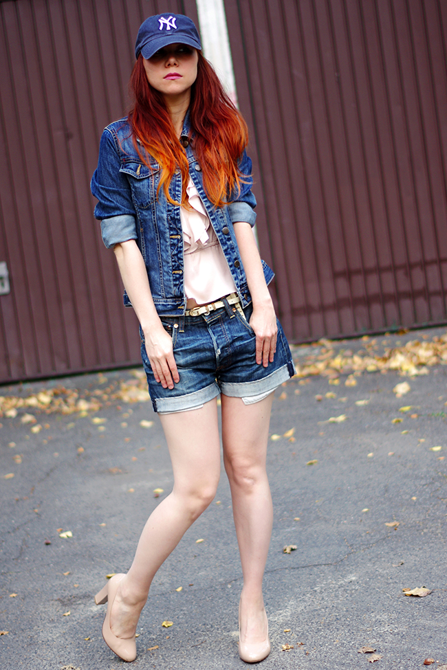 Street Style Berlin- Denim Suit ( via www.fashionrolla.com)