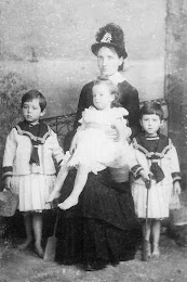Lilly Hunter (nee McPherson) with baby Agnes and twins William and Henry