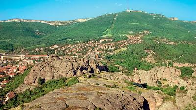 Misteri Bukit Batu Wajah Manusia di Bulgaria