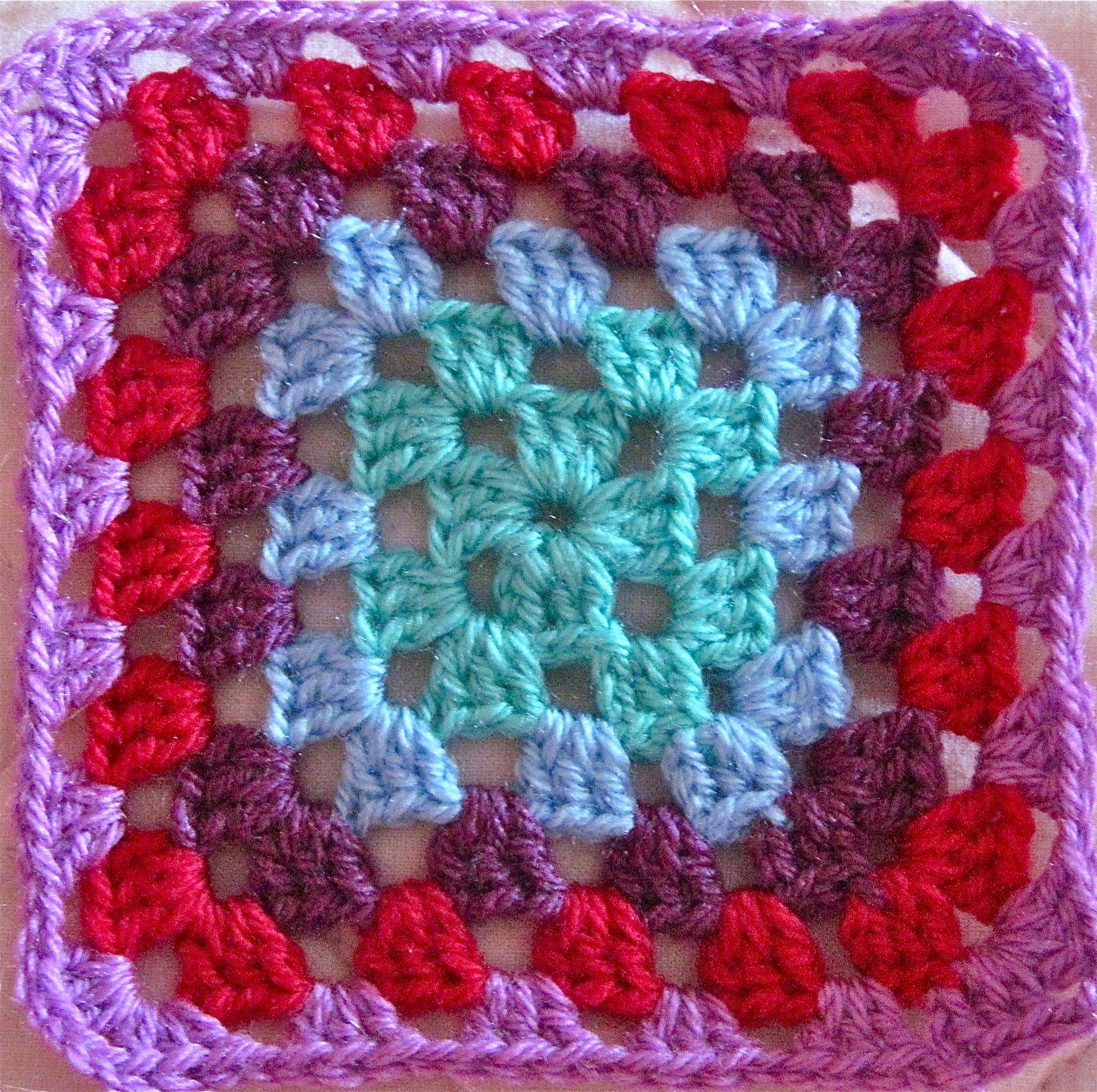 Le cose di mys maglia uncinetto telaio tutorial e le piastrelle granny per la coperta - Piastrelle di lana all uncinetto ...