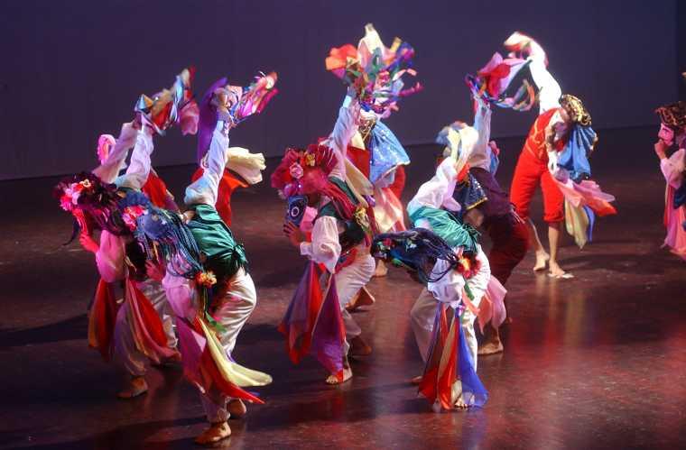 experto africano bailando