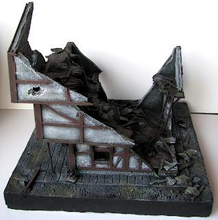 Ruiny budynku z przeklętego miasta Mordheim od Games Workshop