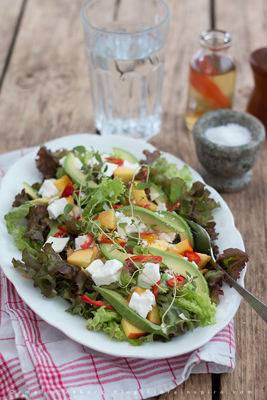flädersaft, fläder chili vinägrett, vinägrett, sommarsallad, sallad nektarin, sallad avocado, chili vinägrett, fläder vinägrett, dressing fläder, elderflower cordial, vinaigrette, elderflower vinaigrette, chili vinaigrette, elderflower chili vinaigrette, salad dressing, salad dressing elderflower, salad nectarine, salad avocado