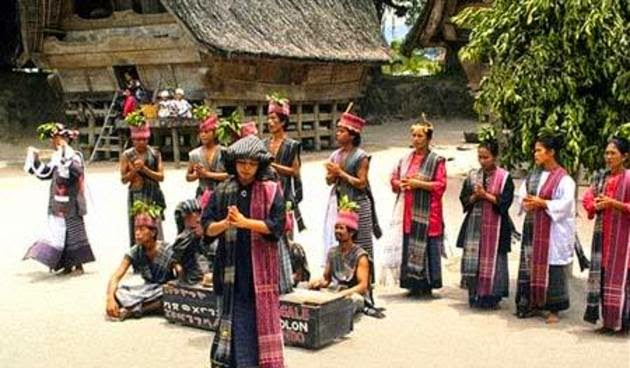 Tari Tortor Tarian Daerah Batak Toba Sumatera Utara