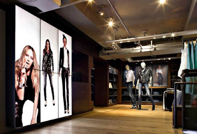 digital retail, perspectivas favorables digital signage, Digital signage banca retail, digital signage interactivo,