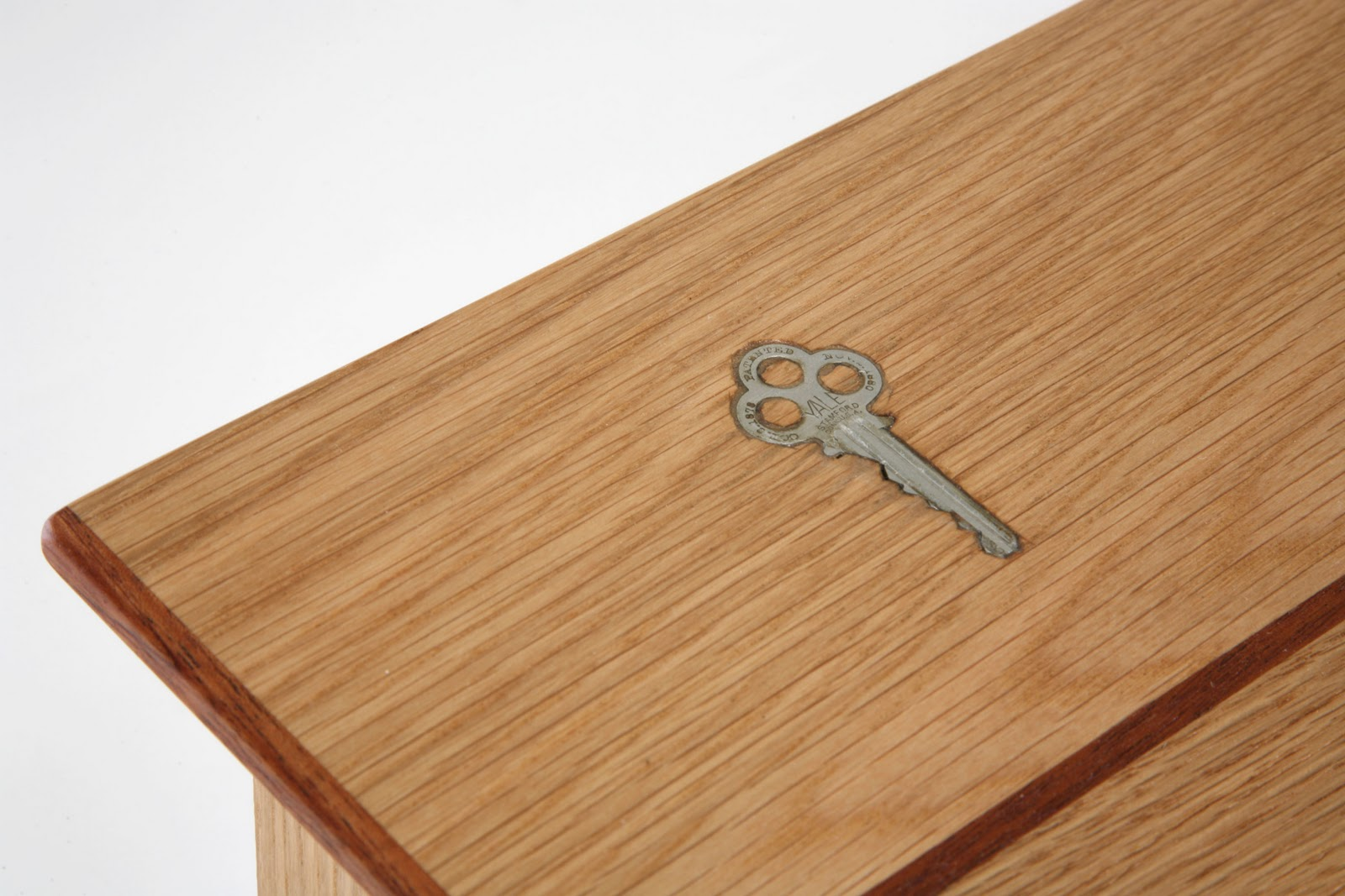 Alex Builds Things: Oak Coffee Table. Full resolution  image, nominally Width 1600 Height 1067 pixels, image with #71371E.