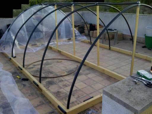 Como hacer un invernadero casero aprender hacer for Vivero estructura