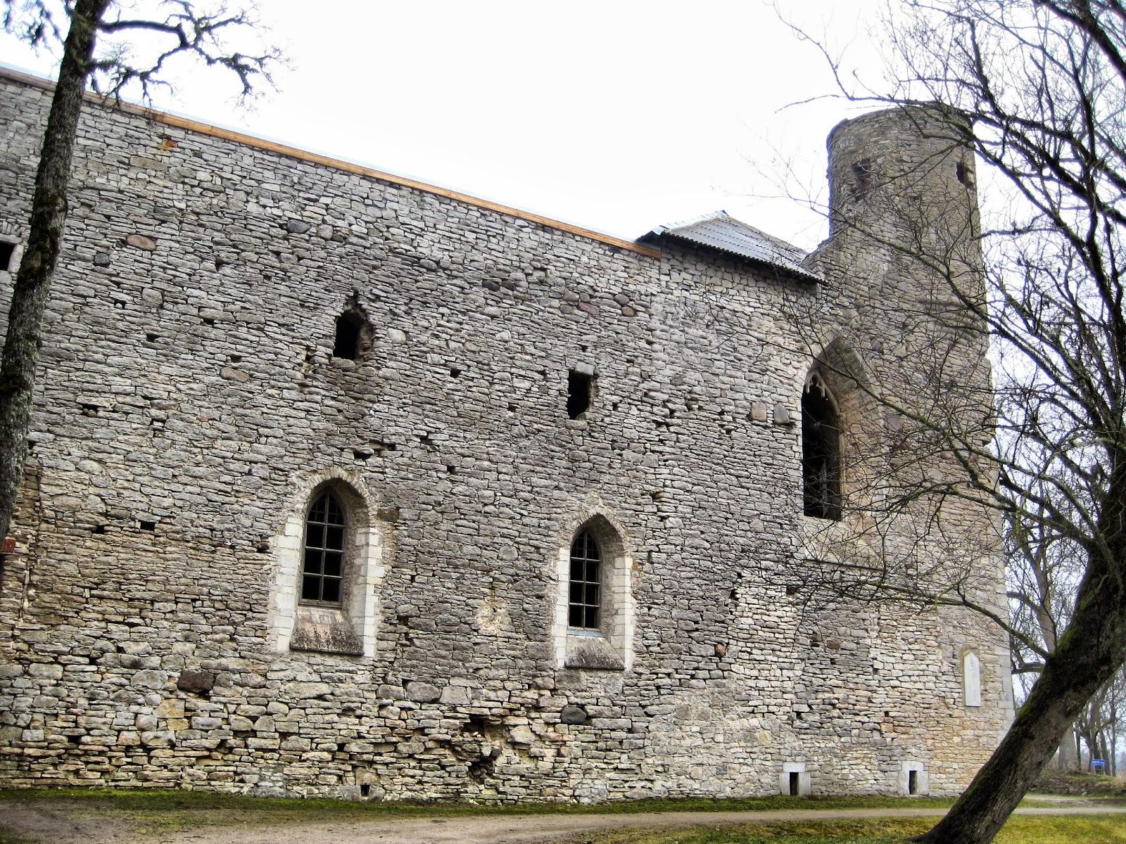 Почти в Таллинне. Монастырь-замок Падизе