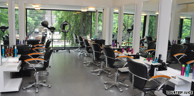 Click to franchise top 5 salon franchises in india for A 1 beauty salon