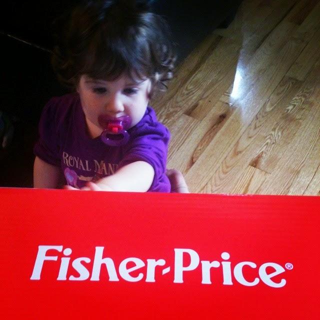 Mini Radieuse a adopté la chaise rire et éveil de Fisher Price!