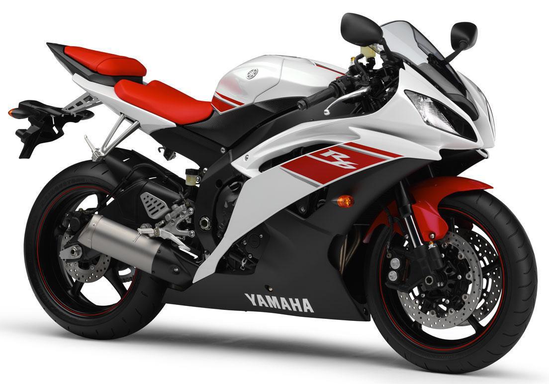 Moto yamaha r6  Moto