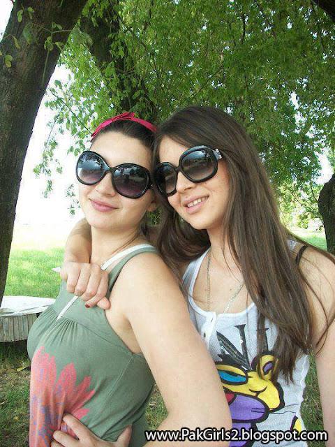 Girls Selfies (3)