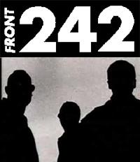soñando que charlo con los miembros de Front 242 en un bar de copas tras un concierto