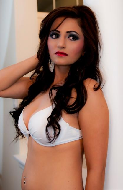girl bikini Pakistani
