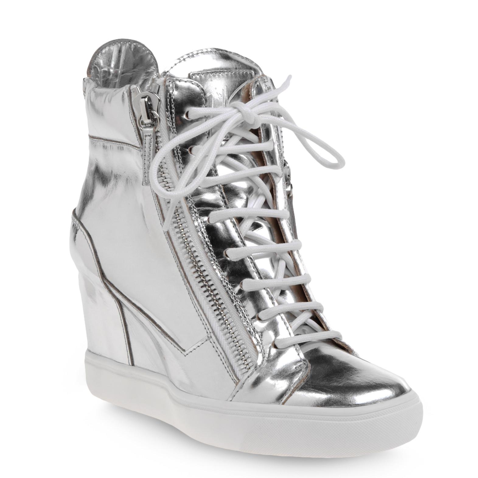 http://1.bp.blogspot.com/-IMDEL_3bbi8/T59s1CrqgaI/AAAAAAAABj0/wh5R9gjQ-jc/s1600/Giuseppe-Zanotti-women-high-top-sneakers-in-silver-mirror-effect-calfskin-1.jpg