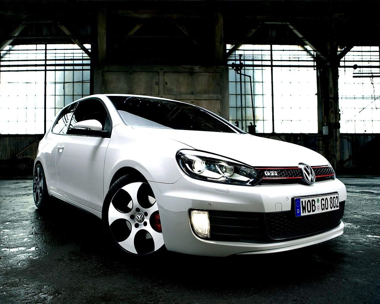 http://1.bp.blogspot.com/-IMFCE0koLUw/T6QZNAACtaI/AAAAAAAAKCY/tvDJo9Weapk/s1600/cars_vw_golf_gti_mk6_wallpaper.jpg
