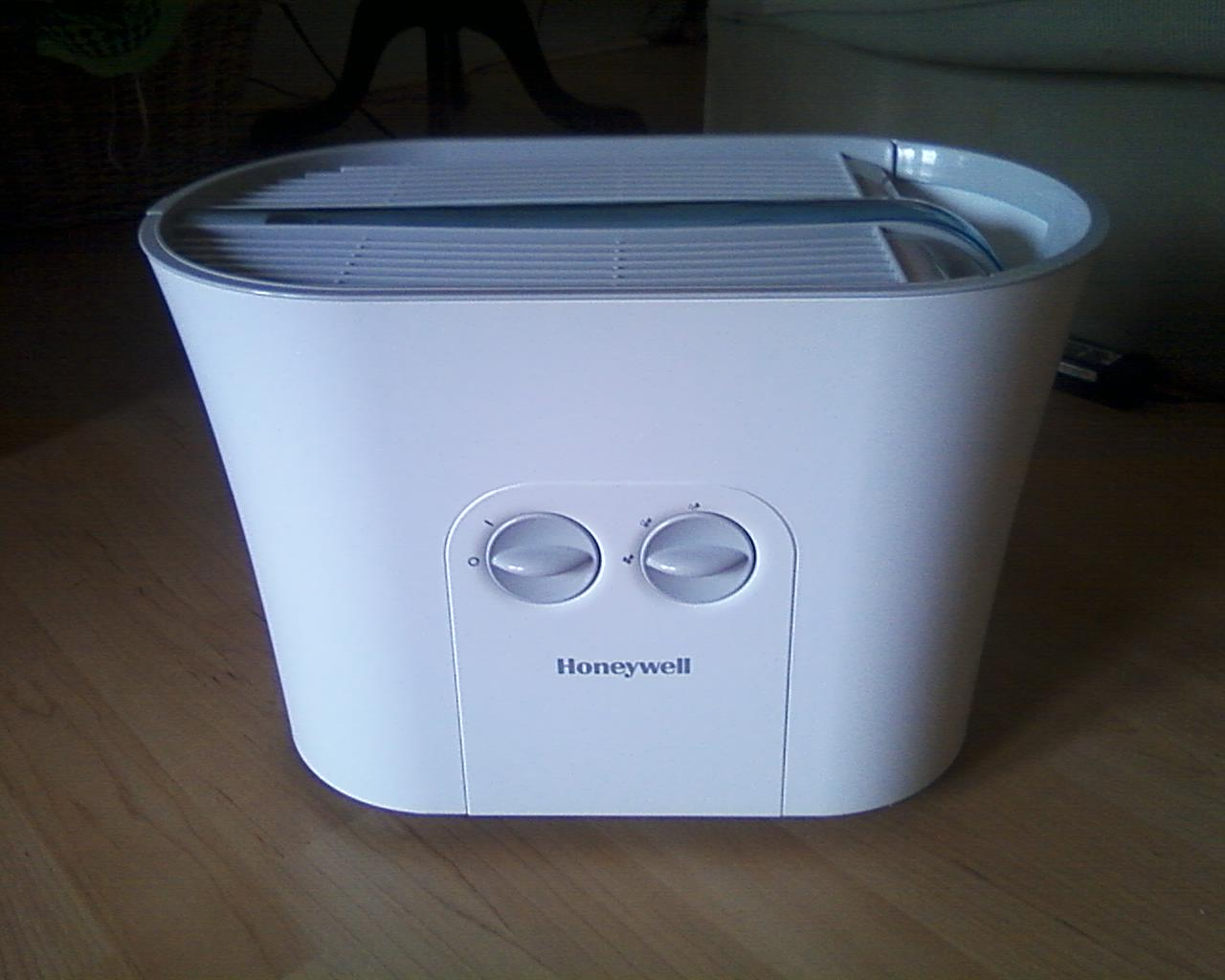 Honeywell Humidifier Eases The Stuffies (Up for Grabs) Simply  #375994
