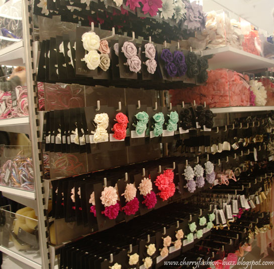 H&M hair accessories