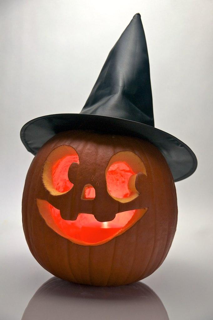 Como decorar la casa para halloween 2011 con bajo - Decorar casa para halloween ...