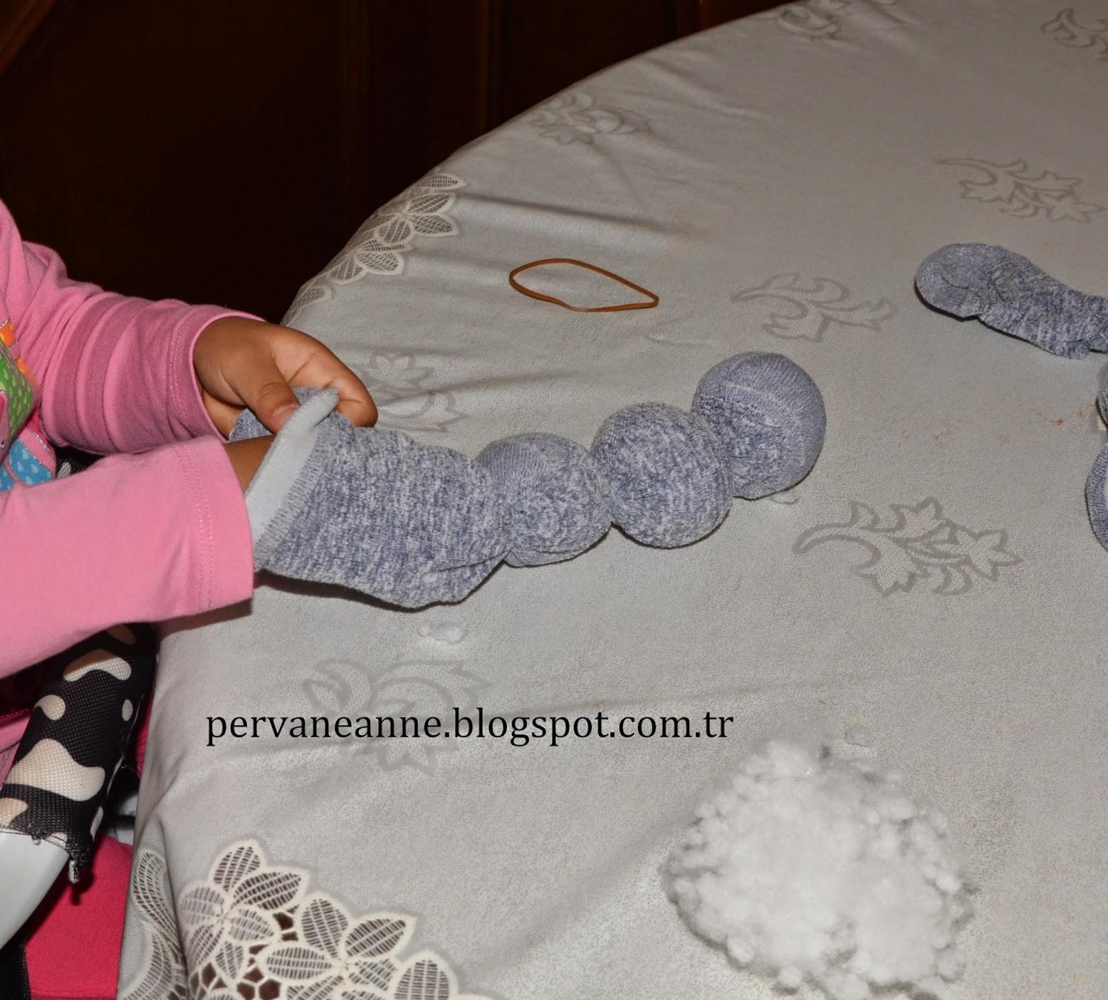 Çoraptan Tırtıl Nasıl Yapılır Resimli Anlatım