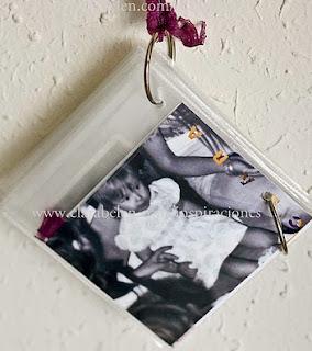 http://clarabelen.com/inspiraciones/1394/manualidades-faciles-hacer-un-album-de-fotos-con-fundas-blandas-de-cd/