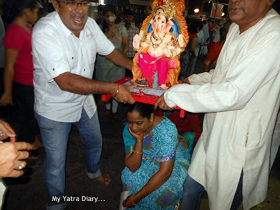 Ganpati idols being taken for visarjan - Ganesh Chaturthi festival