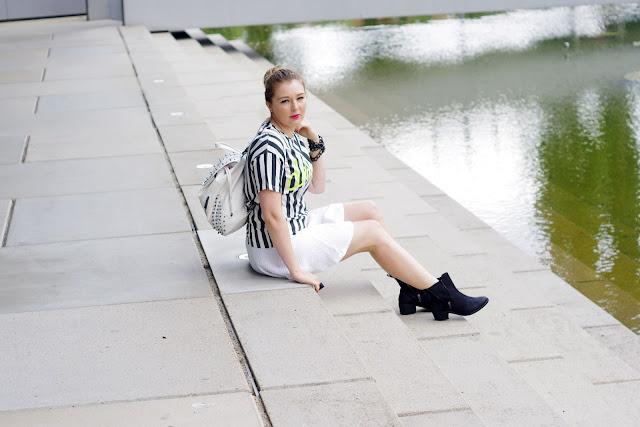chicnova, darling, stripes, streifen, trend 2013, white textured skirt, azora boots asos, zipper stiefel, river island studded backpack, weißer rucksack mit nieten, blogger, modeblogger, beste deutsche Fashionblogger,