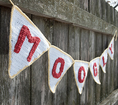 free crochet pattern party pennant garland