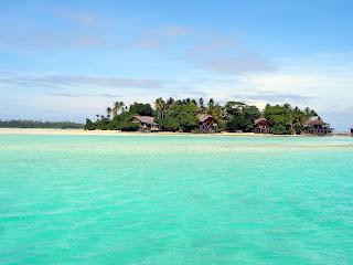 Yaitu pulau derawan