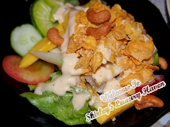 woody family cafe peranankan mango salad