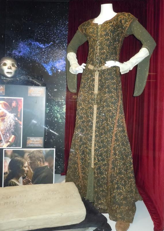 Cate Blanchett Robin Hood costume