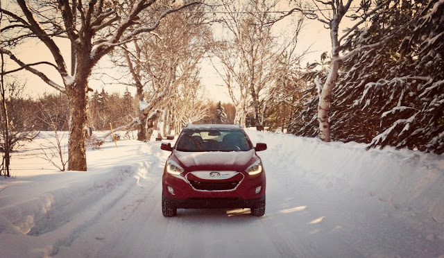 2014 Hyundai Tucson GLS AWD red PEI snow