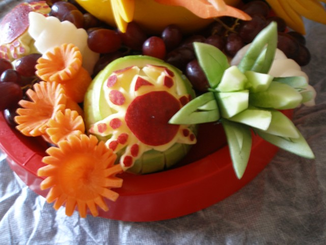 Garnishfood fruit carving arrangements and food