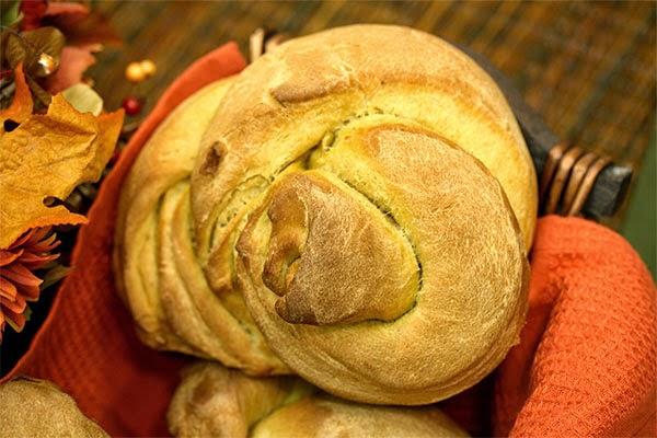 Apple-Pumpkin-Knots