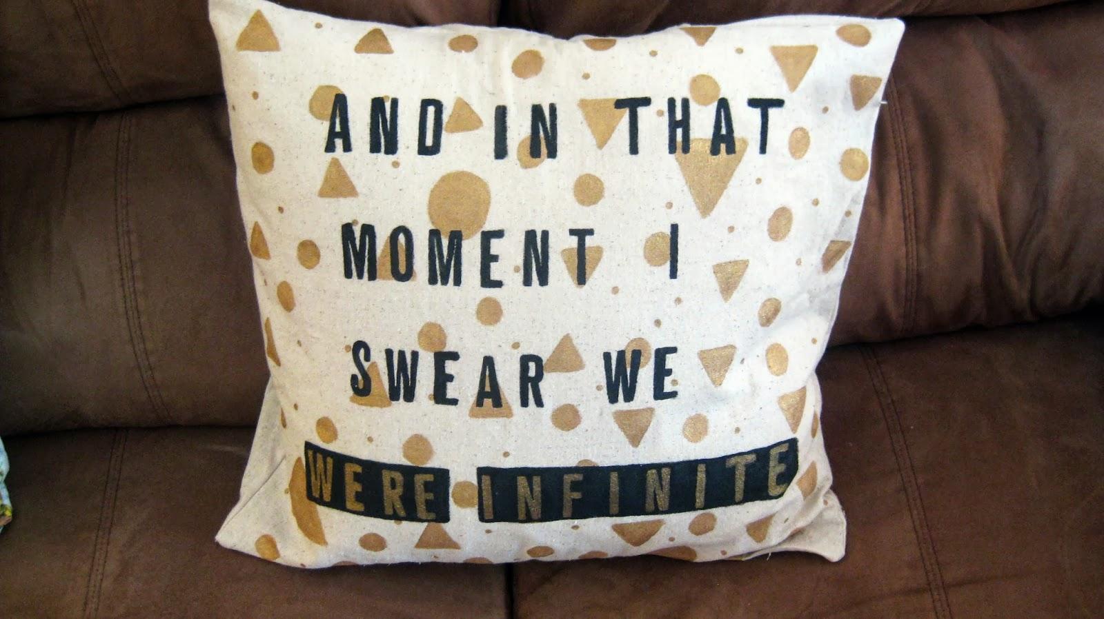 Diy Painted Throw Pillows : kaleidoscopekanvas-KK: Painted Envelope Throw Pillow Cover DIY