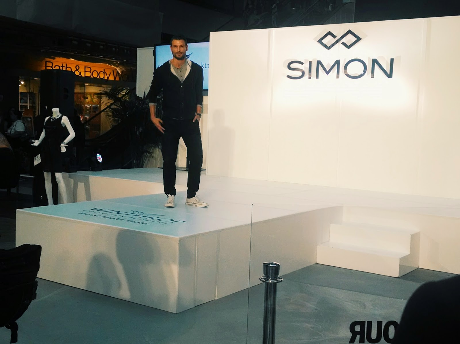 Simon Malls Look Book Live