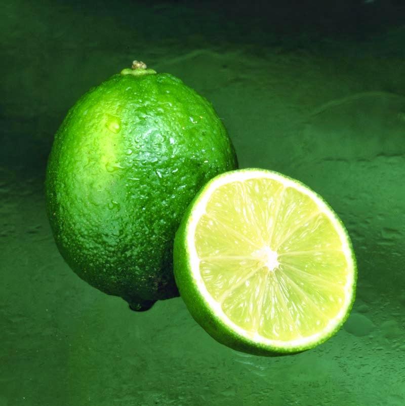 Limão uma fruta rica em fibras e vitaminas, evita câncer, aumenta a imunidade, fortalece os ossos...