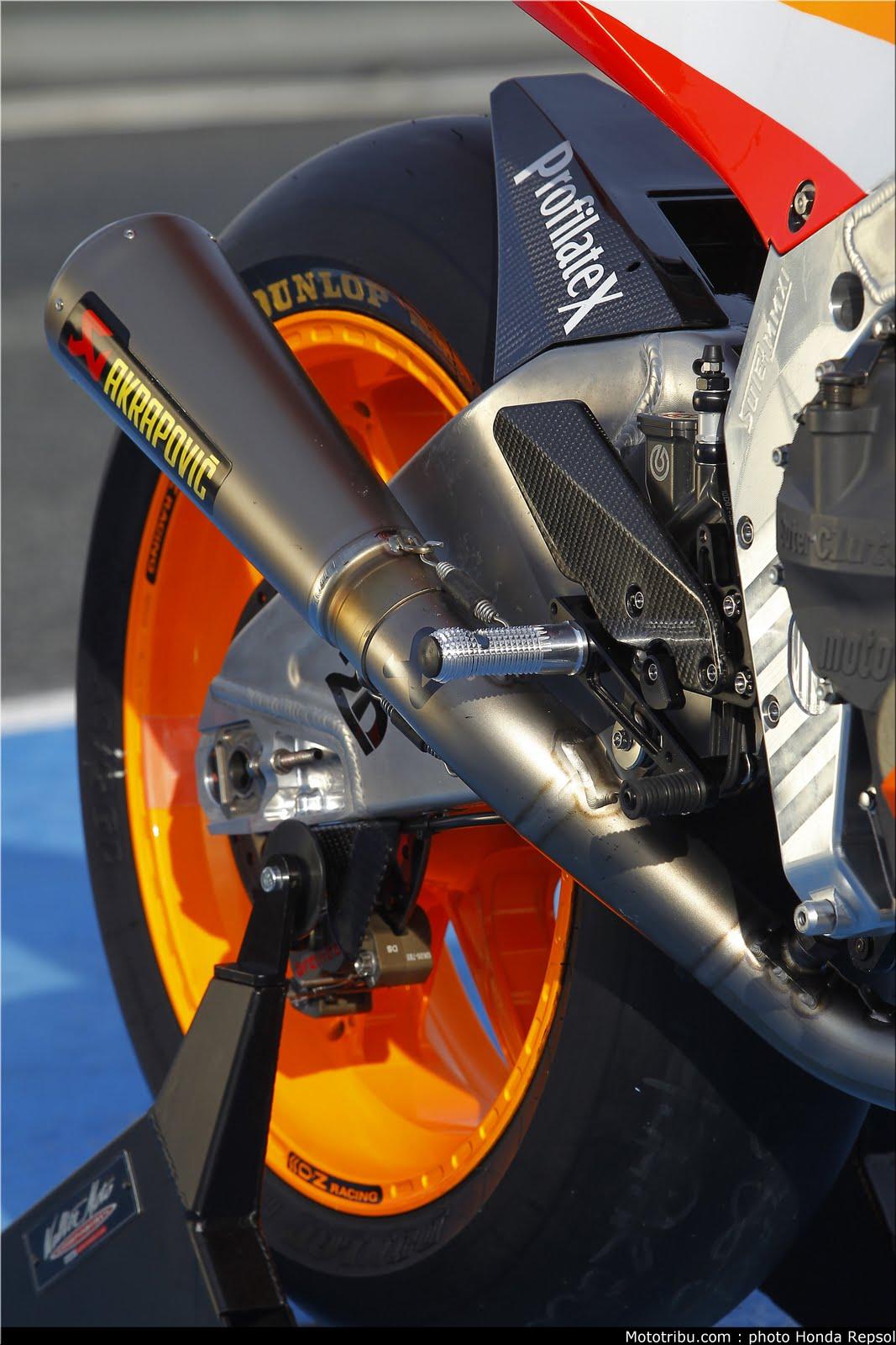 Machines de courses ( Race bikes ) - Page 7 Suter%2BMMX%2BMarquez%2B2011%2B07
