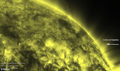 komet tabrak matahari