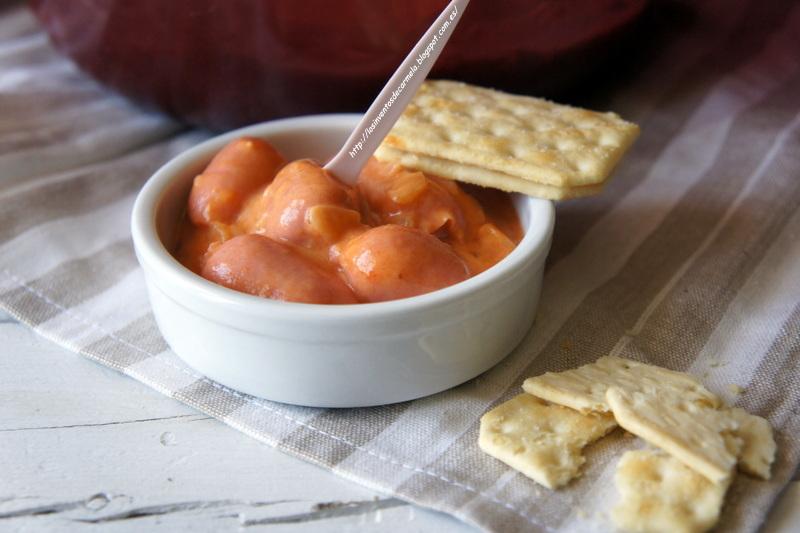 Salchichas de c ctel con tomate y leche evaporada los for Coctel con zumo de tomate