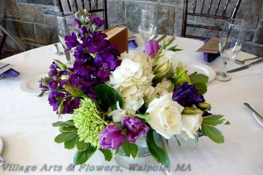 Purple and white hydrangea centerpiece car interior design