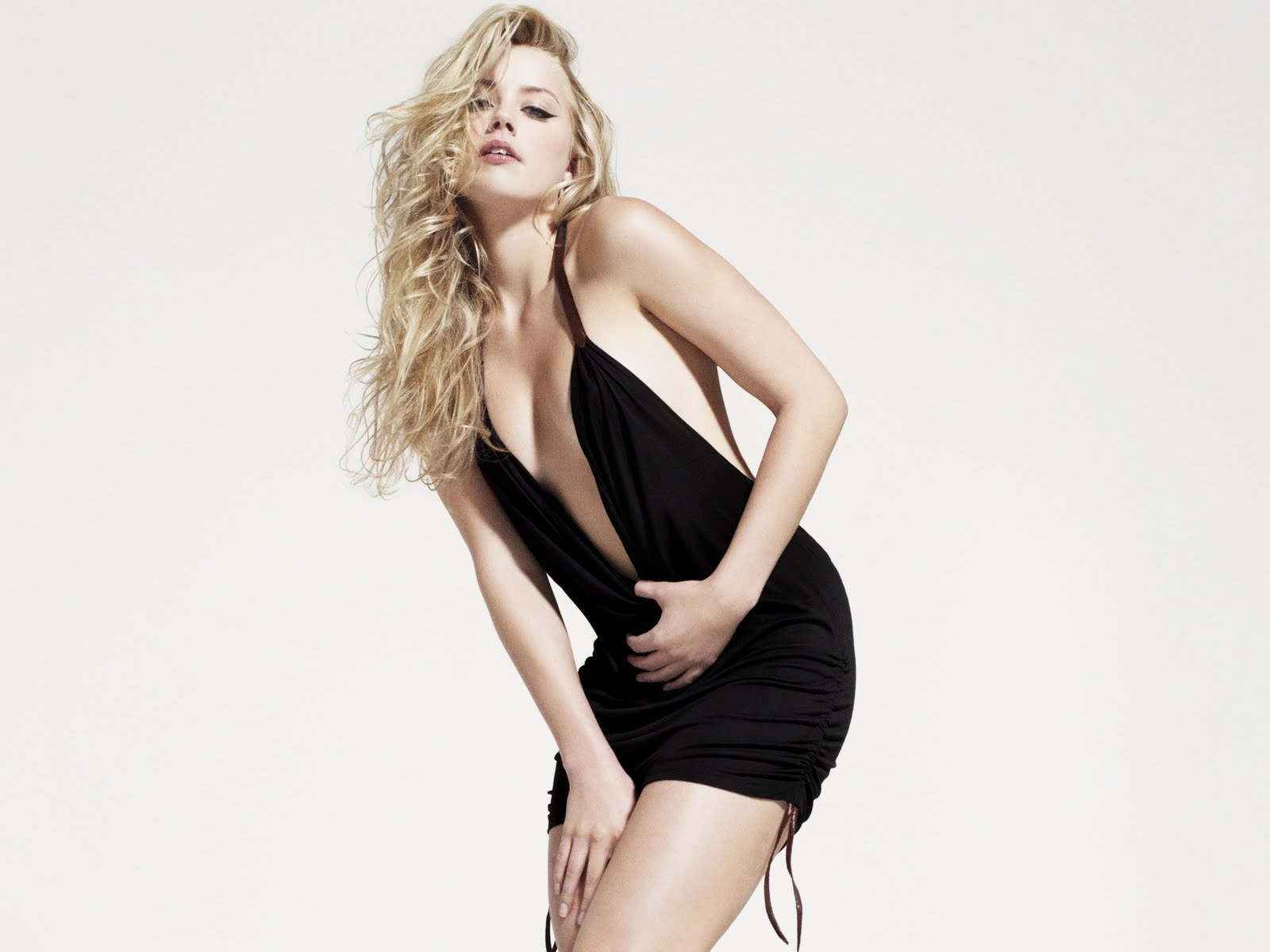 Amber Heard Hairstyles(02)