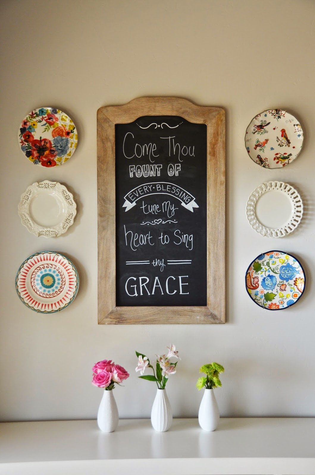 the good life decorating with plates
