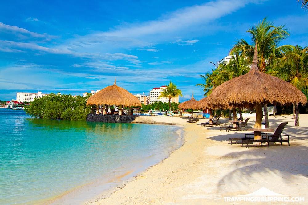 Tramping Philippines Cebu Maribago Bluewater Beach Resort