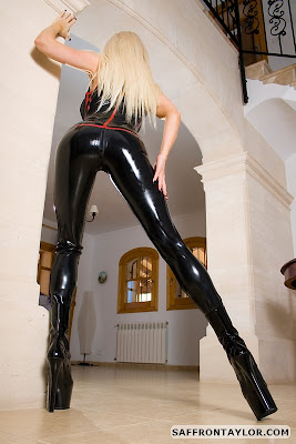 Saffron Taylor Perfect Latex Ass in Black Latex Catsuit