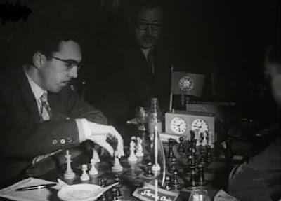 Partida de ajedrez Vinagre-García Orús del Torneo Triangular Internacional Madrid - Lisboa - Barcelona